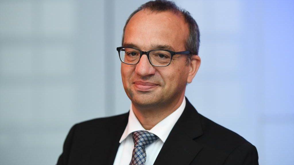 Hanno Bender is Head of Department Law & Politics at Lebensmittelzeitung.